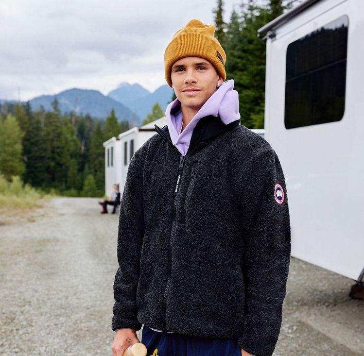 羅密歐貝克漢本就是Canada Goose粉絲,時常穿著招牌外套。圖/摘自ins...