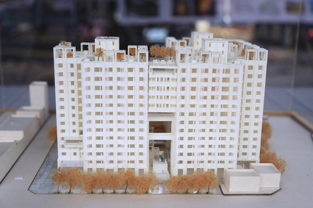 惠來厝好宅規劃地下3層、地上13層不等的複合式建築共400戶,租金會在完工前半年...
