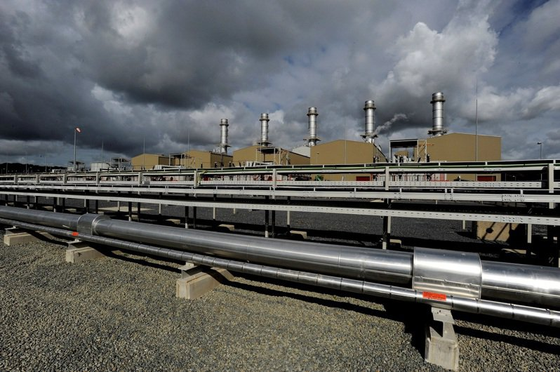 歐洲許多國家逐步淘汰汙染最嚴重的煤炭,以天然氣作為綠能站穩之前的替代方案,也讓歐盟越來越仰賴天然氣進口。路透