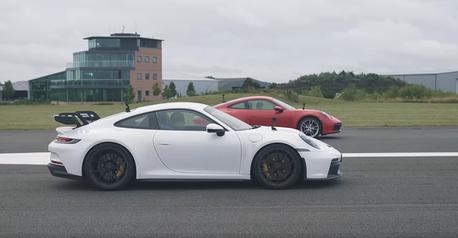 影/Porsche 911 GT3到底比入門911 Carrera快多少?