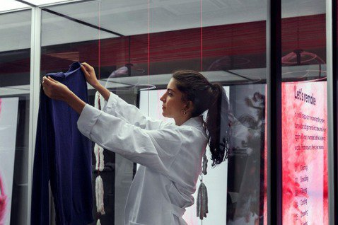 越來越多人開始重視,生產一件衣服對於環境所帶來的影響。 圖/H&M