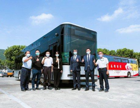 鴻華先進攜手三地集團 電動巴士Model T最快明年高雄上路