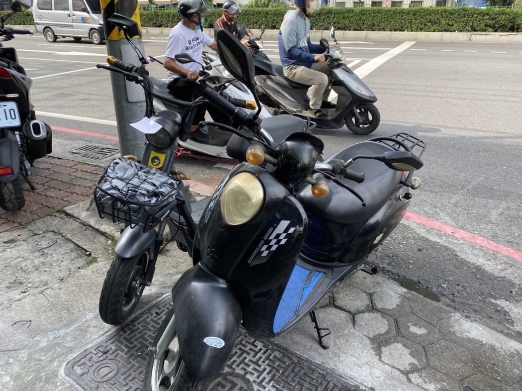 無牌無照就可騎 高雄電動自行車事故增加!