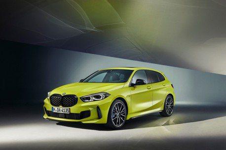 2022全新年式BMW M135i xDrive登場 優化懸吊 新增BMW M車色!
