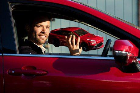 影/Toyota推出Mirai遙控車 動力同樣使用氫能源!