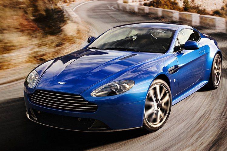 Aston Martin Vantage V8 S