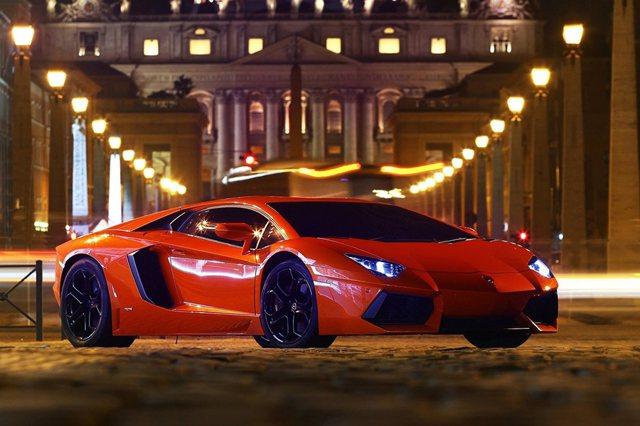 Lamborghini Aventadro LP 700-4