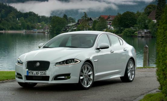 Jaguar XF 2.0i Luxury