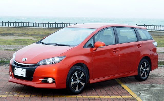 Toyota Wish 2.0 J