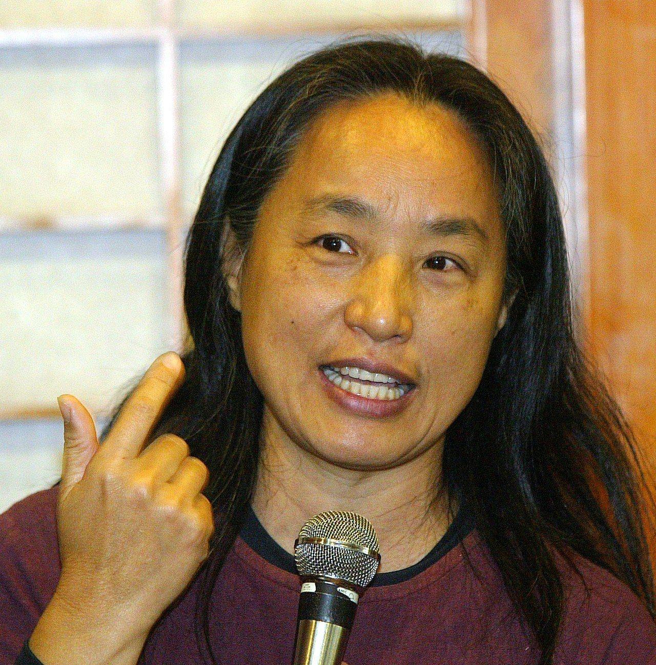 唐鳳母親李雅卿,在體制外努力教育相關改革多年。(本報資料照)