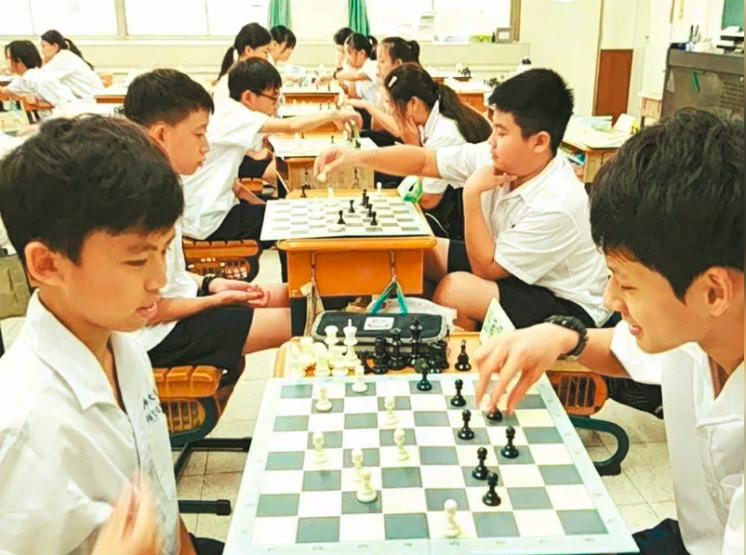 高師大附中國中部新學期將「西洋棋」列為國一必修課。 圖/教練高懿屏提供