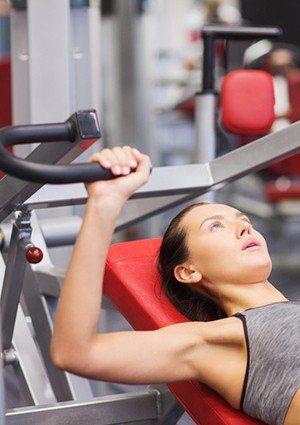 打疫苗前後能運動嗎?手臂不適能做什麼運動舒緩?