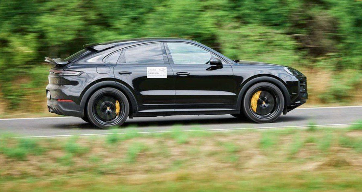影/沒有八吋中控螢幕、恆溫空調 韓國總統文在寅的Hyundai Casper交車了!