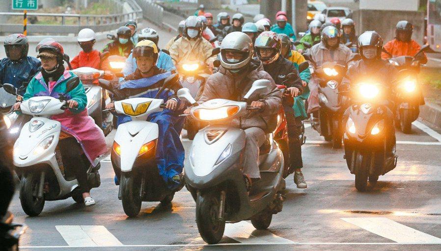 台灣千萬「騎機」 如何挑戰減碳任務