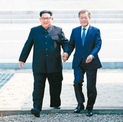 踏上北韓10秒 文在寅心繫10載