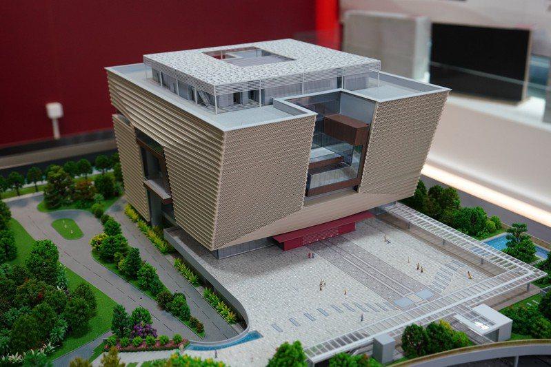 香港故宮文化博物館大樓結構竣工儀式18日在大樓工地舉行。圖為香港故宮文化博物館模型。(中新社)