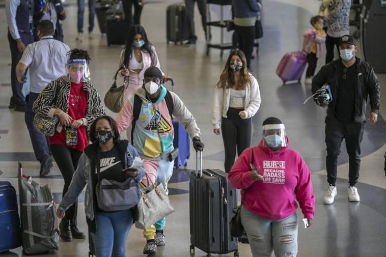美國當前的2019冠狀病毒疾病(COVID-19)疫情惡化,單日新增病故人數超過...