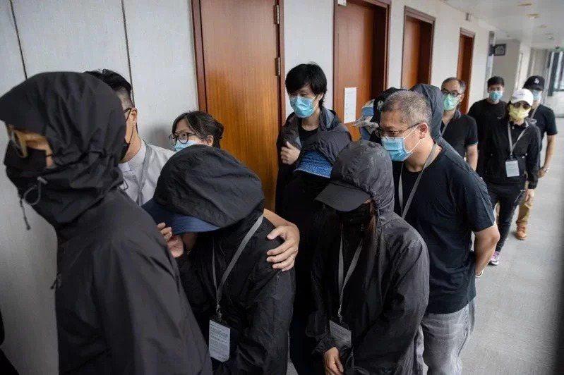 12名港人8月底試圖偷渡台灣時,遭深圳海警截獲扣押。歐新社
