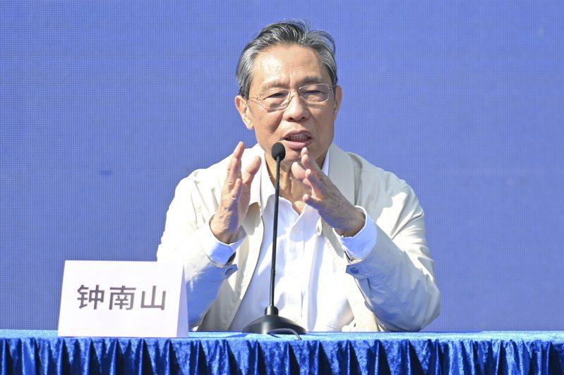中國防疫專家鍾南山今天表示,近期中國大陸一些農村出現的2019冠狀病毒疾病(COVID-19)疫情,很大機會是由冷鏈運輸傳播。(中新社)