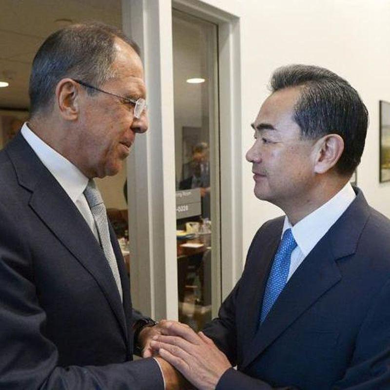 俄羅斯外長拉夫羅夫與中國外長王毅會面。(取材自環球時報)