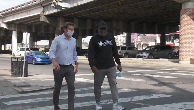 紐奧良的克雷朋高速公路被社區稱為「種族主義公路」,被拜登總統3月31日宣布的基建計畫時,列為「歷史不公應予改進」的案例。(截屏自WWLTV電視畫面)