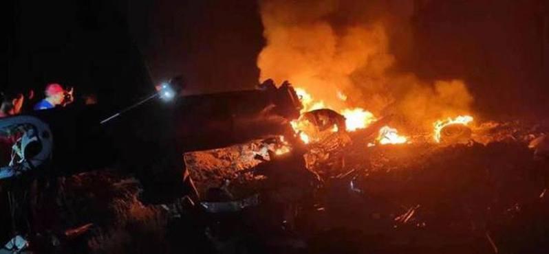 安徽事故現場燃起大火。(取材自微博)
