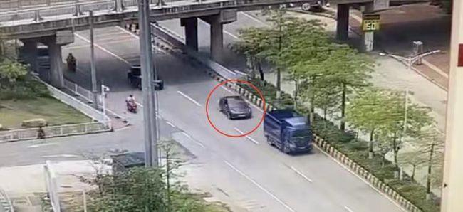 根據網傳影片,5月7日,一輛特斯拉轎車在公路上追尾一輛貨車,並造成該貨車失控撞向路中央隔離帶。圖/影片截圖