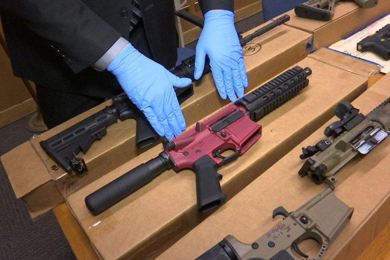 司法部擬向國會提案,進一步立法管控「幽靈槍」。(美聯社)
