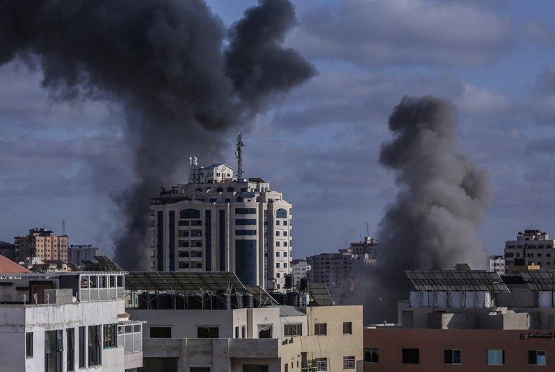 以巴衝突進入第二周,以色列在17日新一輪的空襲中,殲殺加薩走廊伊斯蘭聖戰指揮官哈比德,終結了他在北加薩地區長達15年恐怖主義行動的領導。(歐新社)