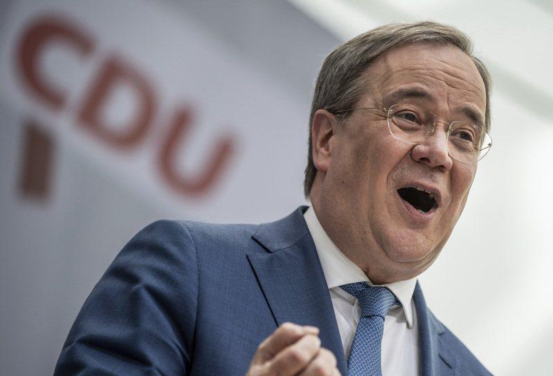 基民黨黨魁拉謝特7日在柏林發表談話。此次勝選,鞏固他作為總理梅克爾接班人的地位。(美聯社)