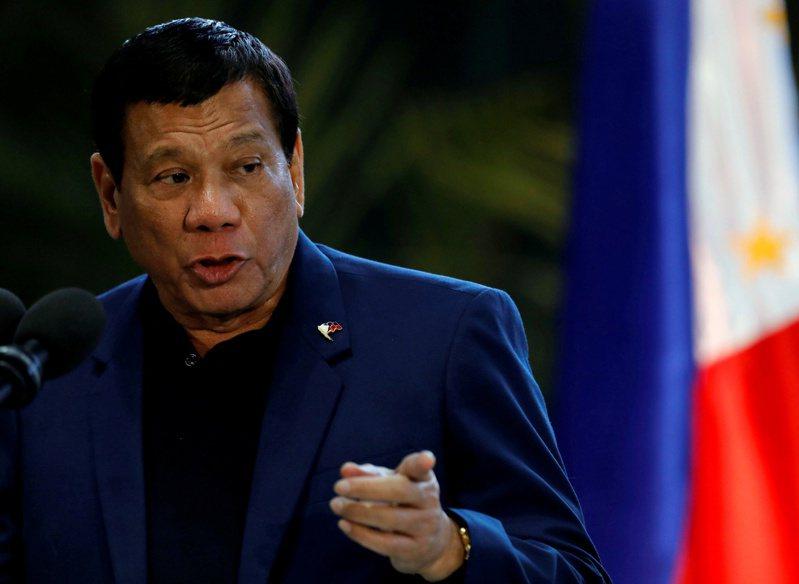 菲律賓總統杜特蒂揚言,拒絕接種新冠疫苗的人,將被關入大牢。(路透)