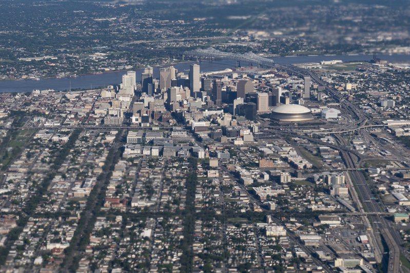 全美國熱島效應最嚴重的是南方的紐奧良,圖為空中鳥瞰紐奧良市區。(美聯社)