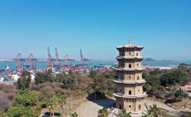 泉州石湖村六勝塔見證了古代海上絲綢之路的繁榮與石湖港的發展歷史。(取材自澎湃新聞)