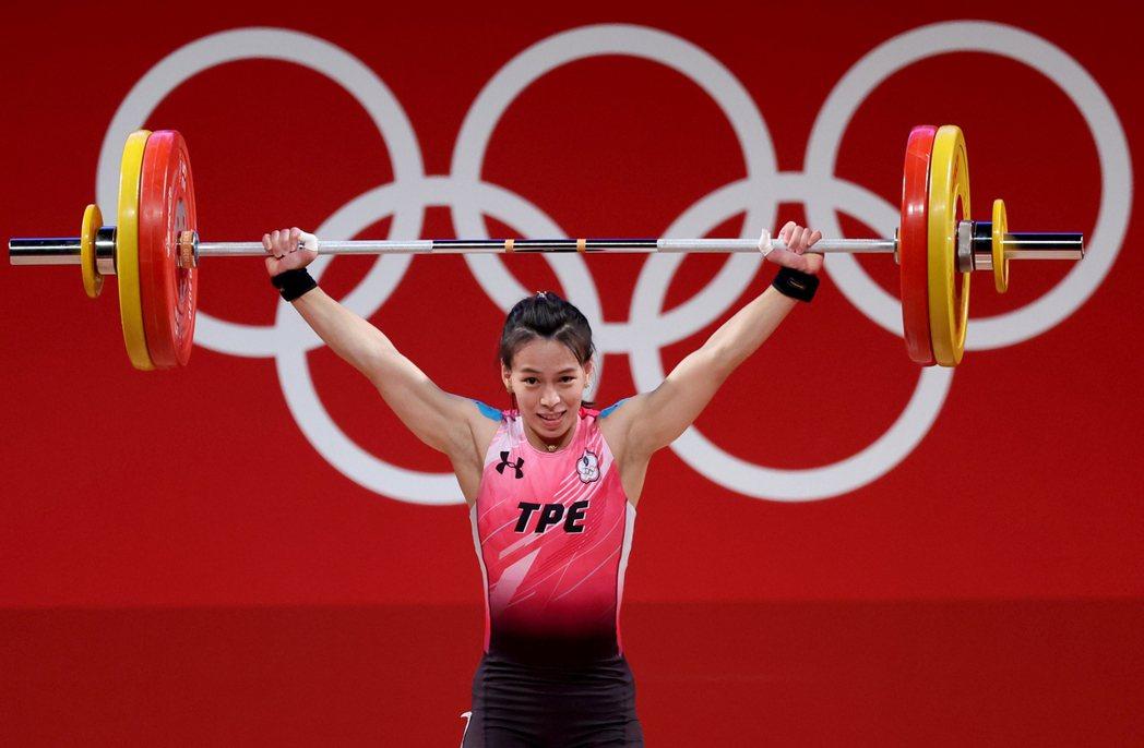 台灣「舉重女神」郭婞淳在東京奧運女子59公斤級比賽中展現壓倒性實力。特派記者余承