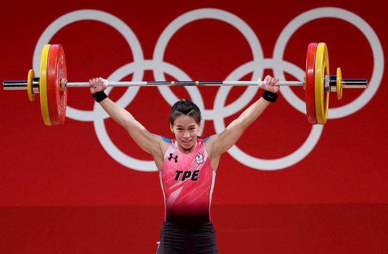台灣「舉重女神」郭婞淳在東京奧運女子59公斤級比賽中展現壓倒性實力。特派記者余承翰/東京攝影