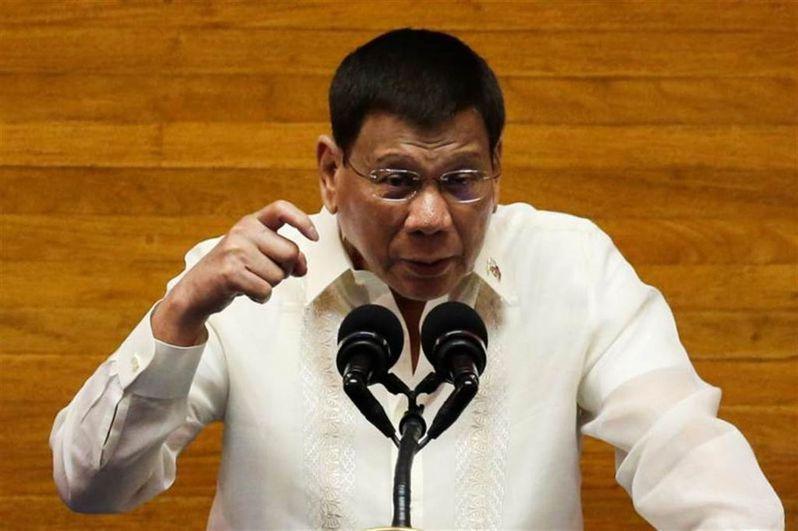 菲律賓總統杜特蒂發表任內最後一次國情咨文時說,菲律賓無法承受與中國開戰,「在你起飛前,中國的導彈就到了」。(路透)