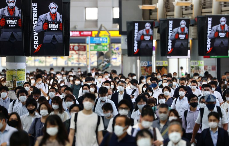 東京正在舉辦奧運,但新冠確診人數卻不斷飆升,目前單日已破3000人。(路透)
