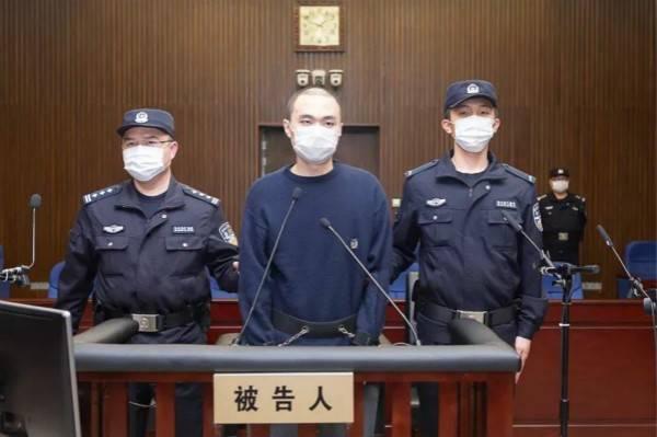海一中院一審公開開庭審理嚴豪傑故意殺人、放火案。(取材自縱相新聞/上海一中院供圖)