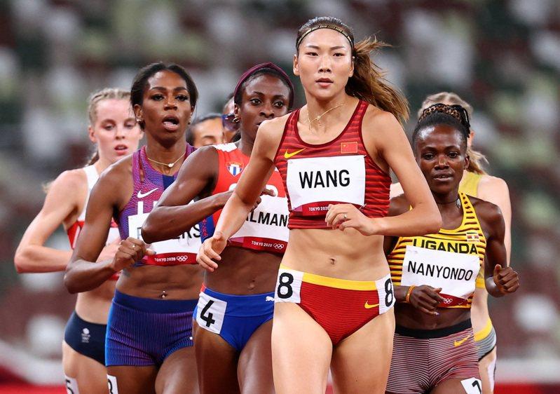 來自中國安徽省的王春雨,排名第五,是中國首次晉級此項目的決賽。圖/路透