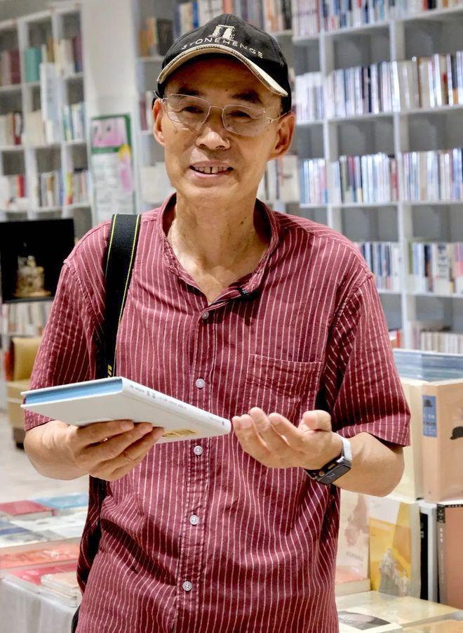 復旦大學67歲教授梁永安的戀愛學視頻暴紅。 (取材自申江服務導報)