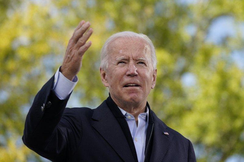 民主黨總統候選人拜登(Joseph Biden)22日以「為我們家庭更繁榮的未來」為題投書世界日報,肯定亞裔美國人的地位和努力。(美聯社)