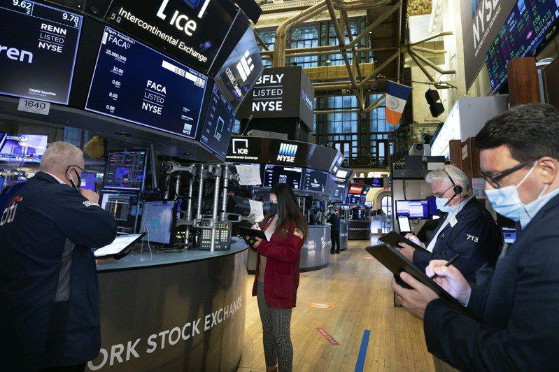 股市19日尾盤回吐早盤升幅,股指持平作收。(美聯社)